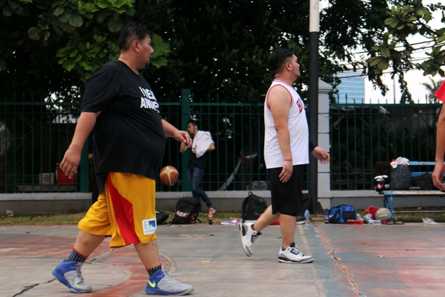Twin Tower di Stweetball ... saingan Sitepu sama Rogun nih