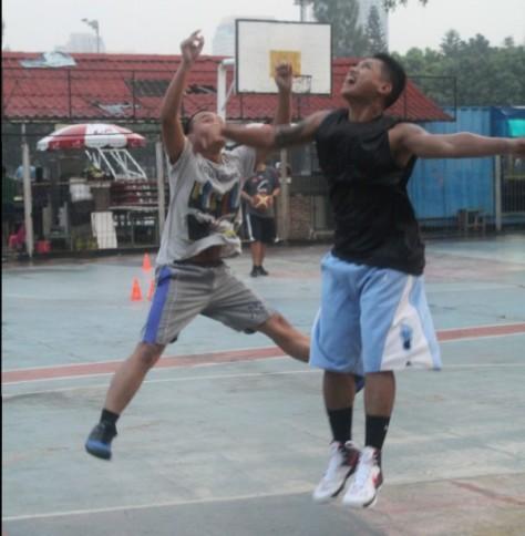 Asep suaji (kiri)