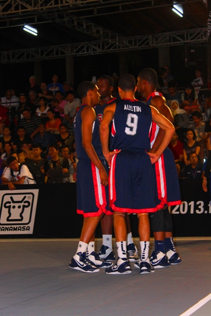 Demonte Flannigan bersama team USA U-18
