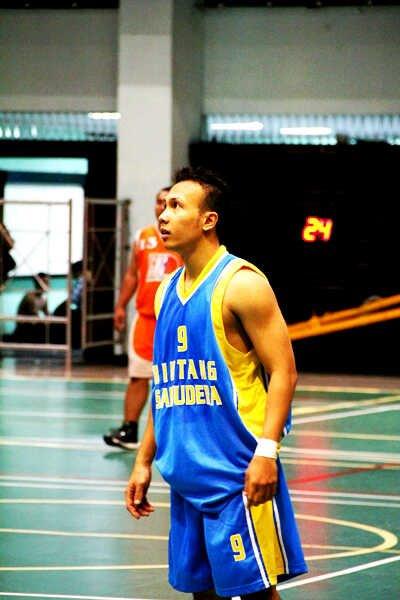 Roy Putranto tercatat sebagai salah satu pemain Bintang Samudra