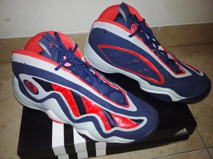 Kondisi sepatu tampak atas dan samping