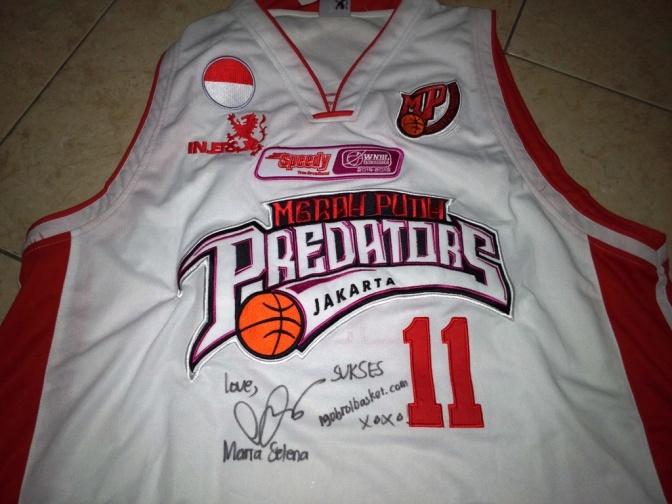 Injers resmi bekerjasama dengan ngobrolbasket.com Untuk menjual Jersey original