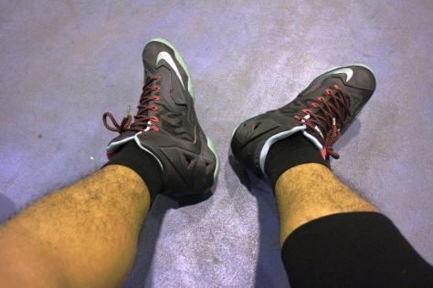 Nike lebron11 saat dikenakan di kaki