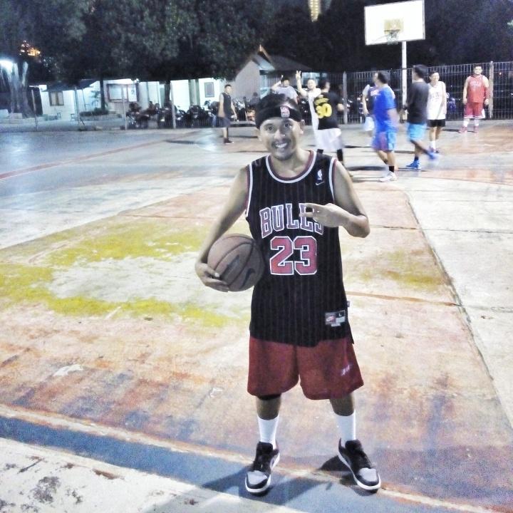 Air Jordan 1 saat dipakai bermain basket