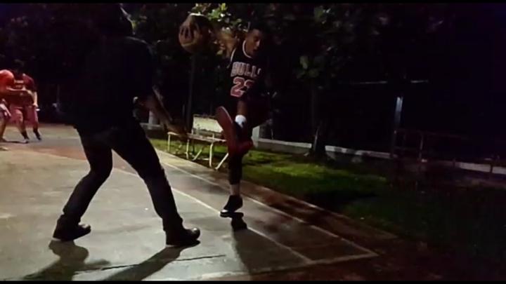 AIr Jordan 1 digunakan saat bermain basket juga sangat nyaman
