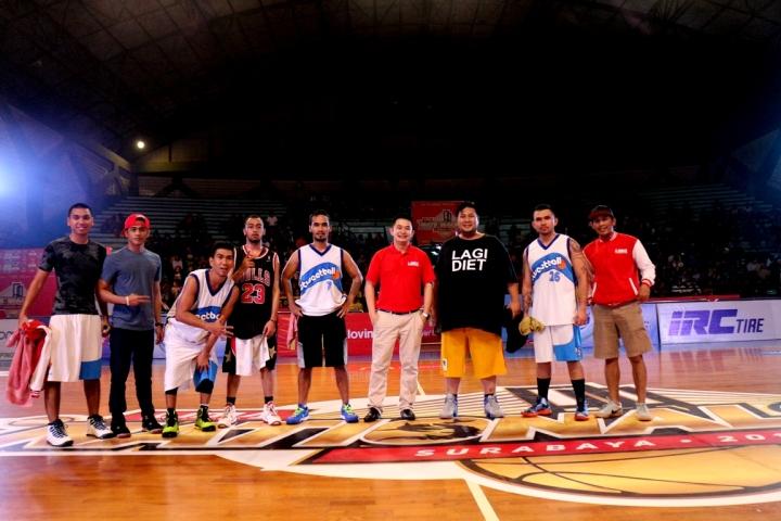 oy Ricardo saat menjadi bintang tamu bersama team Stweetball di final LIMA Surabaya 2015