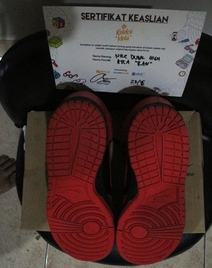 Nike Dunk High ex Asta RAN tampak bawah (sol)