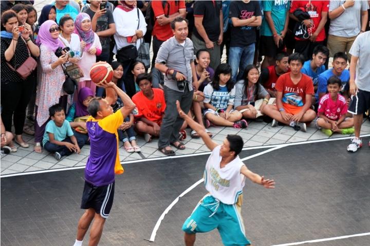 Bambang Hermansyah (kiri) aksinya di #MSFF2015 ,masih membuat penonton terpana