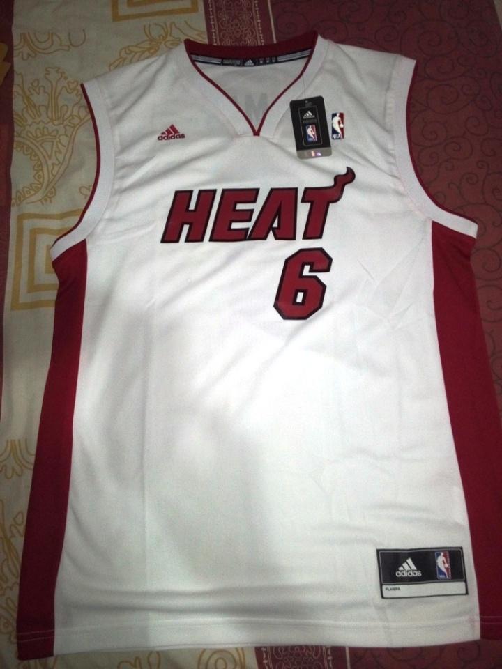 Jersey Lebron James saat bermain di Miami Heat