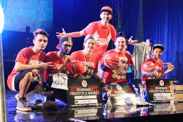 Para Pemenang TGIF Championship bersama Presiden ABSI Richard Insane