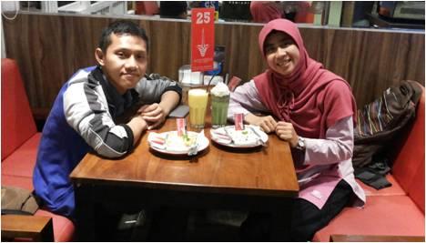 Makan malam bersama antara Raisa dan Azhar