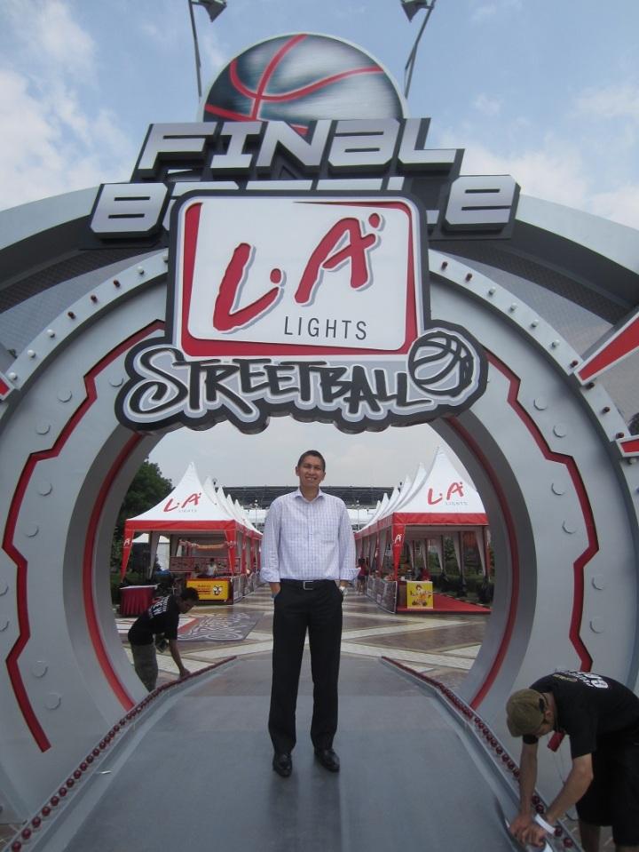 Aldrin Siagian saat menonton LA Streetball