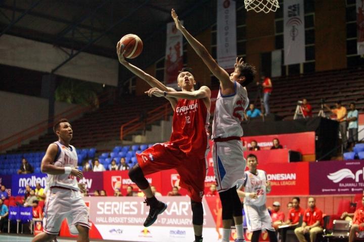 Muhammad Rizal falconi Center Garuda Bandung - Dokumentasi IBL