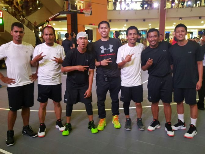 Under Armour: Brand sepatu dan pakaian performance terkemuka dunia, hadir di Indonesia