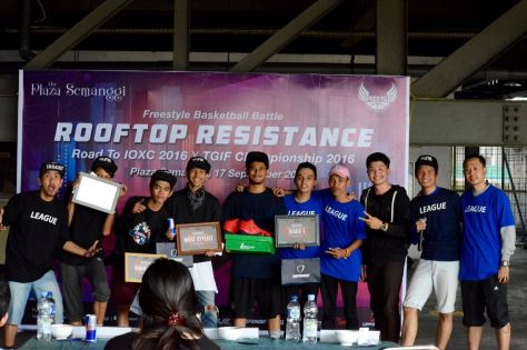 Para pemenang Freestyle Basketball Battle Rooftop Resistence