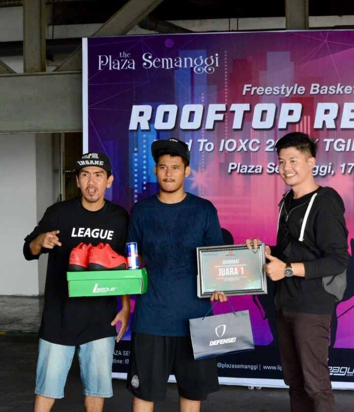 Juara 1: Arif Mirtaza Putra a.k.a Midnite Flow dari Night Kids Clan, Bogor